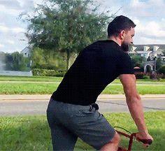 Finn riding a bike, Sami on a skateboard .... awwwwwwwwwww so cute I have this on my Twitter!! <3