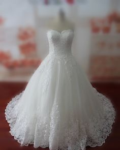 Hey, I found this really awesome Etsy listing at https://www.etsy.com/listing/248690981/real-samples-lace-wedding-dresses