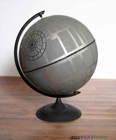 Another DIY Death Star globe. Everyone should have a DIY Death Star Globe - Our Nerd Home Theme Star Wars, Star Wars Party, Geek Decor, Star Wars Zimmer, Decoracion Star Wars, Geek House, Decorating Your Home, Diy Home Decor, Decorating Tips