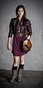 Aria Montgomery is a character from the hit US Tv Show Pretty Little Liars, I highly recommend you watch it! In order to dress like Aria fi...