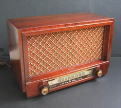 40s.  My grandmother and I listened to country music on one of these every Sat. night when I was little.