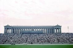 Chicago Trip, Chicago Travel, Chicago Illinois, Chicago Bears, Hollywood Photo, Soldier Field, Style Inspiration, Memories, Explore