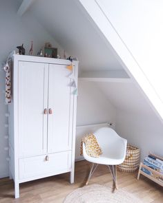 White Buffet, Kidsroom, Baby Room, Armoire, Sweet Home, New Homes, Nursery, Babies, Projects