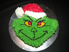 Grinch Cake Banana cake covered in buttercream Christmas Deserts, Christmas Cookies, Der Grinch, Grinch Cake, Grinch Stuff, Birthday Sheet Cakes, Elephant Cakes, Cupcake Cookies, Cupcakes