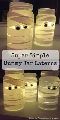 These little Mummy Jam Jar Laterns are perfect for Halloween and are sooo super simple, that children of all ages can get involved with making them. decoration for home Super Simple Mummy Jam Jar Laterns Casa Halloween, Easy Halloween Crafts, Halloween Tags, Halloween Recipe, Halloween Makeup, Halloween Projects, Homemade Halloween, Halloween College, Women Halloween