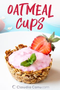 Oatmeal Cups With Healthy Fillings These easy oatmeal cups are naturally sweetened and can be enjoye Healthy Oatmeal Recipes, Healthy Sweet Snacks, Healthy Breakfast Recipes, Clean Eating Recipes, Eating Healthy, Brunch Recipes, Breakfast Ideas, Breakfast Bake, Healthy Baking