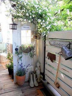 DIY*狭い空間を飾りドアで仕切って有効活用*ベランダ編*|LIMIA (リミア)