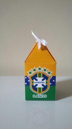 Caixa Topo Pirâmide by Oliver Festas Infantis logo feito por Fernando Norte.