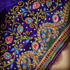 32 Ideas For Bridal Makeup Diy Simple Wedding Saree Blouse Designs, Best Blouse Designs, Simple Blouse Designs, Blouse Neck Designs, Sleeve Designs, Blouse Patterns, Diy Bead Embroidery, Embroidery Works, Simple Embroidery
