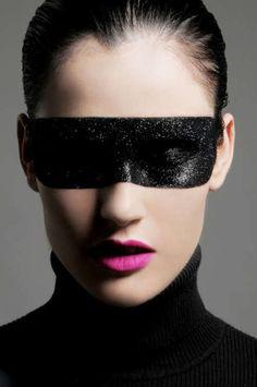 Annya's Atelier  ~ Black Glitter Mask & Black Eye Shadow