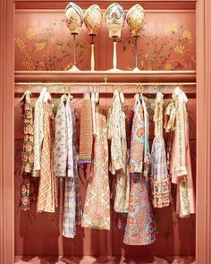 Check out the incredible boutique at the Gucci Garden. Image by Gucci Garden Boutique Interior, Boutique Design, Boutique Decor, Clothing Store Interior, Vintage Boutique, Vogue Living, Magazine Deco, Store Displays, Window Displays