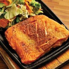 Quem não passou pelo processo de começar comendo só salmão grelhado?