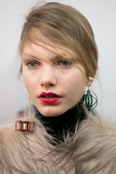 MSGM   - HarpersBAZAAR.com Hair, makeup-- Natural hair, bold lip *Selectively chooseing which feature to emphasize*