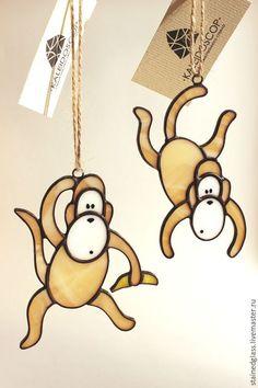 """Купить Ёлочные игрушки """"Обезьянки"""" - коричневый, обезьянка, Новый Год, витражи, витражи тиффани"""