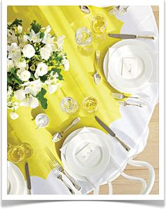 great way to spice up plain table cloth