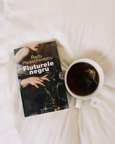 O carte frumoasa, eleganta, recomandata. #raduparaschivescu #1autorromanpeluna #autoriromani #bookblog #bookrecommendation My Books