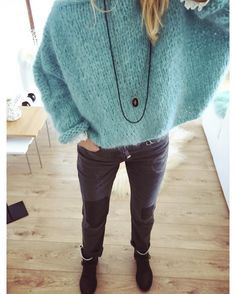 ☄️Bleu douceur pour commencer ce we d'un peu de tout.. ça travaille, ça se ballade et ça cocooning ☄️ Pull mohair opaline #lilisonge Jeans… Knitting Wool, Hand Knitting, Casual Fall Outfits, Winter Outfits, Knit Fashion, Fashion Outfits, Mohair Sweater, Knitting Designs, Autumn Winter Fashion