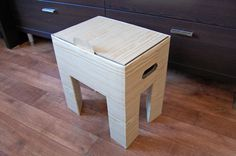 Cardboard stool from pampers box