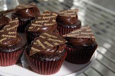 Valrhona Dark Chocolate Cupcake  An original recipe by Derek Poirier Valrhona Pastry Chef