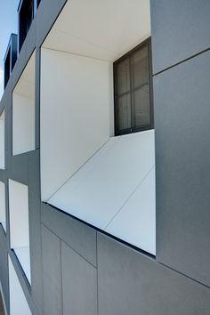 Facade close-up. Window detail. Office renovation in Belgium. Abscis Architecten. EQUITONE facade materials. equitone.com
