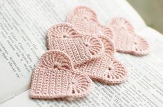 Items similar to Set of 5 Crochet hearts applique Wedding decoration embellishment pale pink shabby chic on Etsy Appliques Au Crochet, Crochet Motifs, Crochet Stitches, Crochet Crafts, Yarn Crafts, Crochet Projects, Love Crochet, Crochet Flowers, Knit Crochet