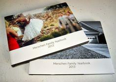 Eine Sammlung von Jahrbüchern Deiner Familie. | 26 Geschenke mit großer Bedeutung, die Du Deinen Kindern machen kannst