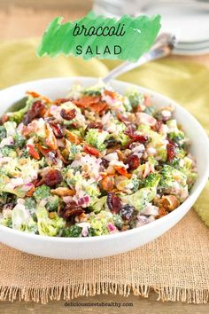 This Broccoli Salad is made with bits of salty bacon, tangy red onion, sweet craisins and crunchy sunflower seeds. Perfect for potlucks and so delicious! Best Broccoli Salad Recipe, Brocolli Salad, Healthy Broccoli Salad, Broccoli Recipes, Onion Recipes, Savoury Recipes, Salad Recipes For Dinner, Potluck Recipes, Super Healthy Recipes
