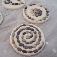 What to do with the kids on a boring afternoon during the summer vacation? Diy Crafts For Kids, Arts And Crafts, Craft Ideas, Kindergarten Art Projects, Ikea Kids, Salt Dough, Creations, Barn, Clay
