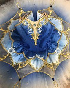 """衣装工房  Atelier Lise(アトリエ  リーズ) on Instagram: """"ブルーバード . こちらは濃いめの色合いで製作いたしましたブルーバードのお衣裳です . グラデーションのモチーフを使いながらゴールドでまとめました . 濃いお色ですが、重たくならないようなデザインに...⁎⁺˳✧༚ . 気に入っていただけてなによりです…"""""""