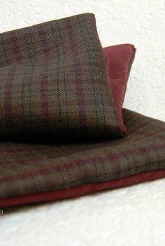 Image of Pocket square. Brown and sangria red -- Pochette taschino. Marrone e rosso sangria. #pocketsquare #madeinitaly #plaid