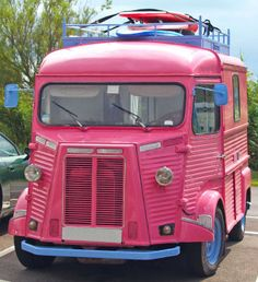 A pink bus for all my friends and me to go to the beach! Pink Love, Pretty In Pink, Pink Purple, Hot Pink, Bright Pink, Citroen Type H, Citroen H Van, Citroen Concept, Station Wagon
