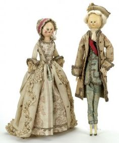 Pair of Queen Anne wooden dolls from the 18th century