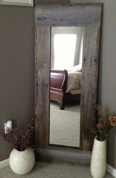 Full Length Barn Wood Mirror For hallway DIY with cheap mirror and repurposed wood - 40 Rustic Home Decor Ideas You Can Build Yourself - Page 7 of 9 - DIY Crafts Decor, Interior, Diy Furniture, Barn Wood Mirror, Cheap Home Decor, Home Decor, Rustic Home Decor, Rustic House, Repurposed Wood