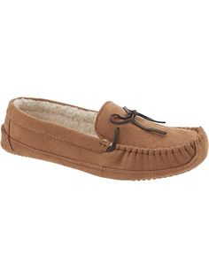 Men's Moccasin Slippers | #cccgiftguides