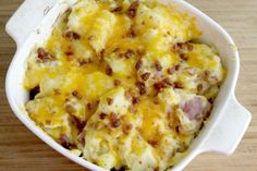 These Baked Cheddar Ranch Potatoes are the BEST Potato Side Dish Ever! They are super easy to make, perfect for dinner and only require 4 Main Ingredients. Potato Sides, Potato Side Dishes, Side Dishes Easy, Cheesy Red Potatoes, Ranch Potatoes, Cheese Potatoes, Potatoe Casserole Recipes, Casserole Dishes, Vegetable Dishes