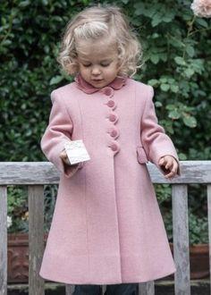 Детское пальто 2017 (82 фото): шерстяное, финские, пуховое, стеганое, на синтепоне, красное