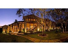Beautiful mansion in the Texas state.