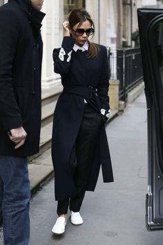 Willowy blonde former supermodel Jerry Hall has sparked a new fashion craze days after marrying media tycoon Rupert Murdoch Viktoria Beckham, Victoria Beckham Style, New Fashion, Womens Fashion, Grace Kelly, Supermodels, Celebrity Style, Normcore, Classy