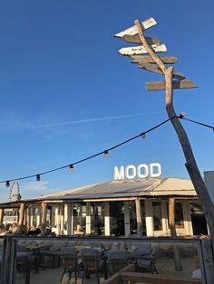 Den Haag Scheveningen - Restaurant Mood - Reiseblog Bravebird Holland Cities, Visit Holland, Bora Bora, Amsterdam, Holland Beach, Koh Tao, Beach Club, Beautiful Islands, Scuba Diving