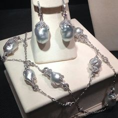 #mikimoto #pearls #diamonds #southseapearls #culturedpearls #jewellery #jewelry #hautejoailerie #joailerie #necklace #earrings #baroque #baroquepearls