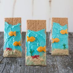 Birthday Party Under The Sea Graham Crackers 57 Ideas Under The Sea Theme, Under The Sea Party, Ocean Snacks, Beach Snacks, Summer Crafts, Crafts For Kids, Biscuits Graham, Jonah And The Whale, Beach Meals