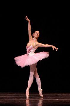 Ballet+Dancer+Pointe+Shoes   Ballet Dance