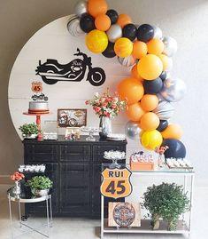 Linda festa com 😍 Motorcycle Birthday Parties, Dirt Bike Party, Sports Themed Birthday Party, Motorcycle Party, Birthday Party Decorations For Adults, Boys First Birthday Party Ideas, 2nd Birthday Parties, Boy Birthday, Harley Davidson Birthday