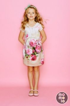 What a beautiful floral dress. #printed #prettyinpink
