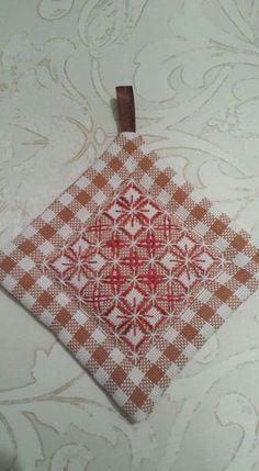 Risultati immagini per chicken scratch embroidery