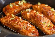 Firecracker zalm - Vis recept | SmaakMenutie Tandoori Chicken, Sausage, Fish, Meat, Ethnic Recipes, Bbq, Barbecue, Barbecue Pit, Sausages