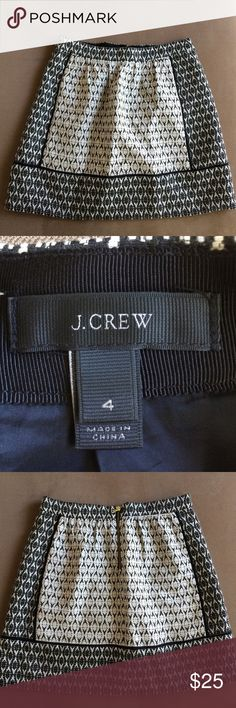 J.Crew black and white skirt size 4 Black and white jCrew skirt. Like new! It has pockets on the front and zips in the back. J. Crew Skirts