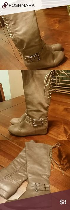 💜💙💚 Bigger Bundles Save More!!! 💚💙💜 Grey boots with silver buckle, good condition, size 7  💜💙💚 Bigger Bundles Save More!!! 💚💙💜 💜 10% off 2 or more... 💙 15% off 3 or more...  💚 20% of 4 or more... 💜 25% off 5 or more!! Kisses Shoes