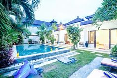Villa in Denpasar , Indonesia. We come with new feature,color and vibe. We just redone the villa to modern white and the pool to overflow system. With 2 Ensuite room and each bathroom has hot and cold shower/bath.   We improved our hospitality to fulfill your holiday  We have b... - Get $25 credit with Airbnb if you sign up with this link http://www.airbnb.com/c/groberts22