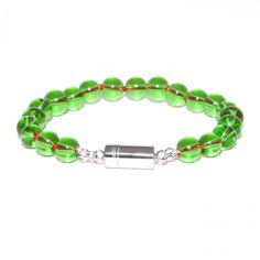 """YNFINITO - TRUE """"Crystal Green"""" Lavishly worked bead bracelet consisting of round cut gemstones in green. The patented CLICCESSORY clasp is made of high- gloss stainless steel. €34.00"""